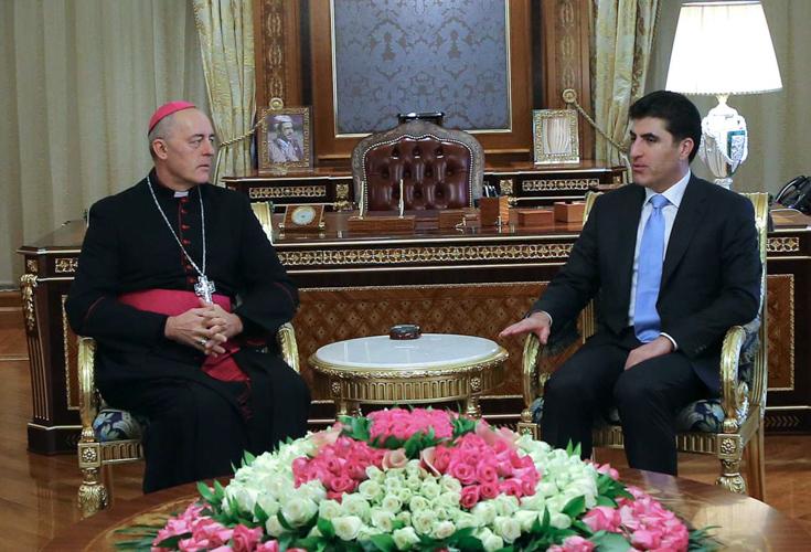 Premierminister Barzani trifft Gesandten des Papstes in Irak