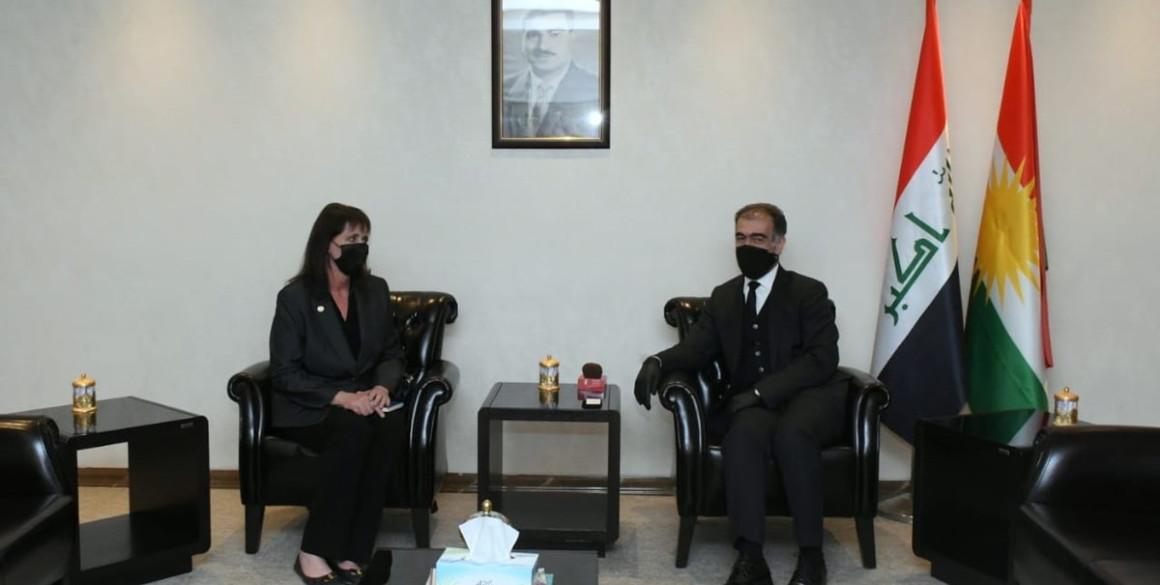 Minister Dizayee trifft die stellvertretende Vorsitzende der USCIRF