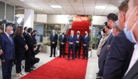 Premierminister Masrour Barzani besucht christliches Viertel in Erbil