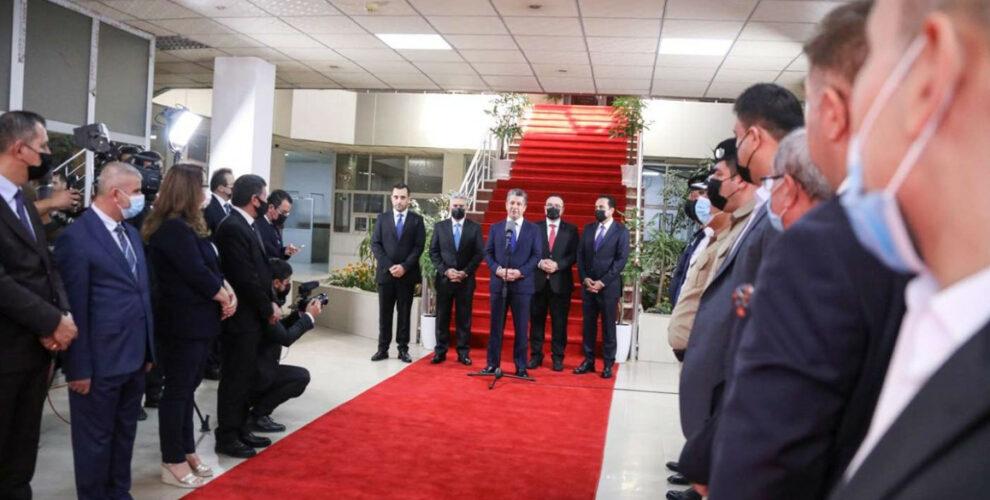 PM Masrour Barzani visits Erbil's Christian neighborhood